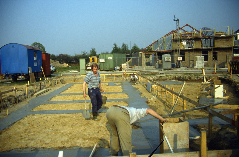 Henk Verberne & Henk Kemps helps (building my house)