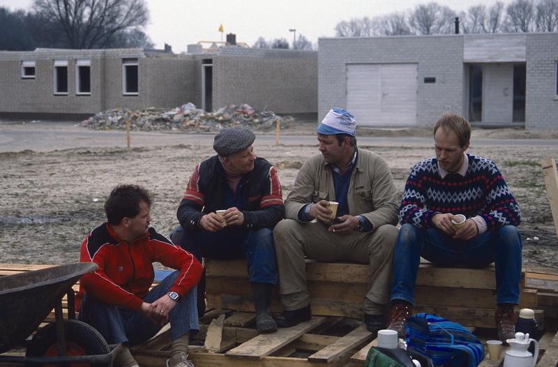 break, coffeetime (Kasper, Peter, Henk and Marijn 1 April 1989)