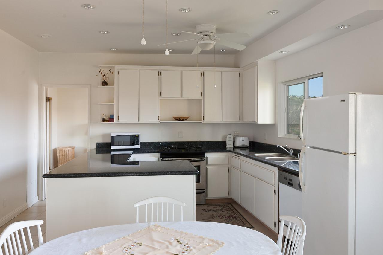 1900 Bel Air guest kitchen