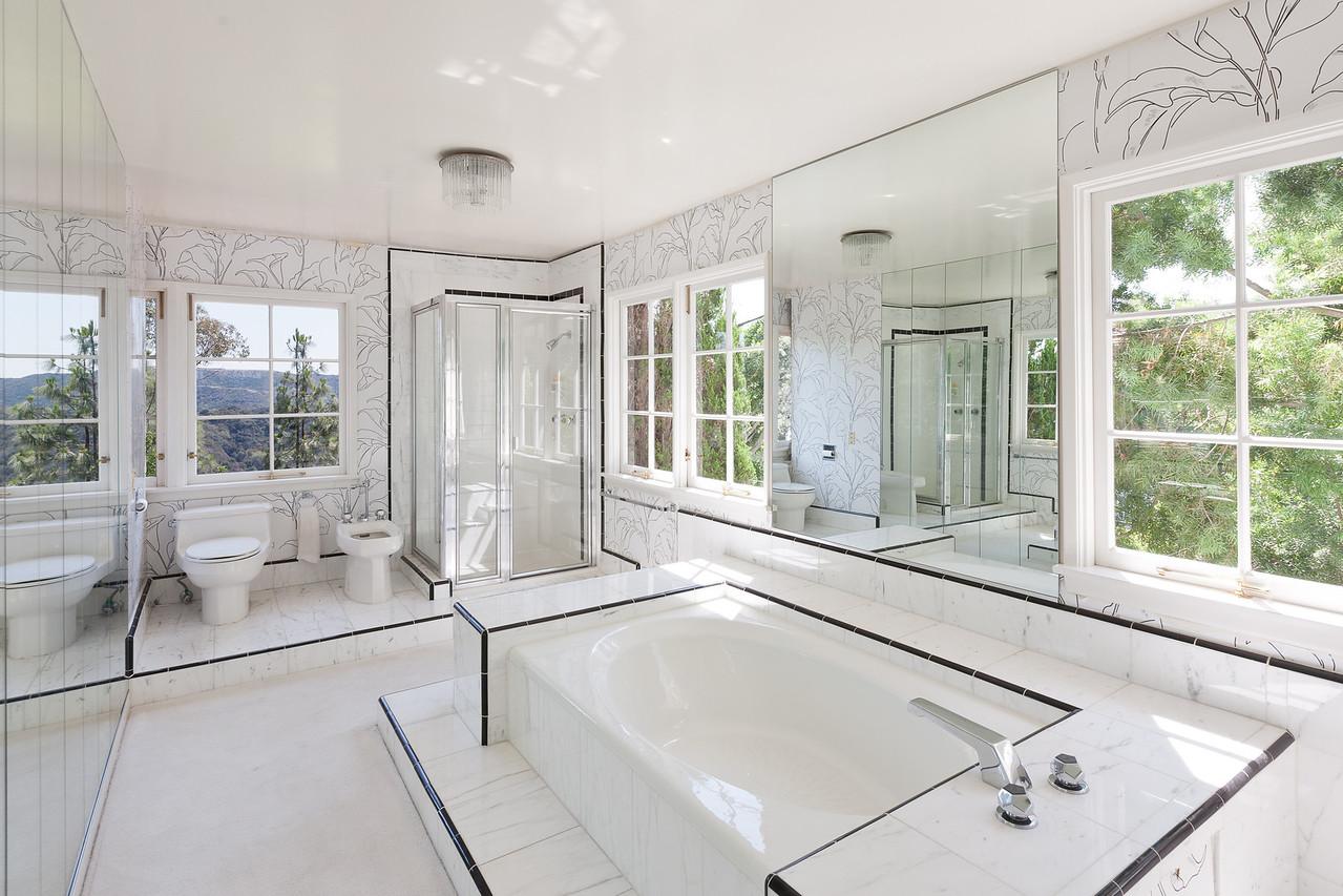 1900 Bel Air master bath