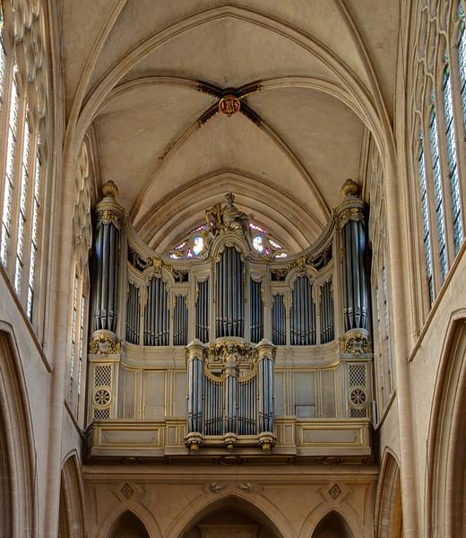 "Saint-Germain-l'Auxerrois Organ  <br><br> The organ was built for Sainte-Chapelle and transferred to Saint-Germain-l'Auxerrois in 1791. It was redesigned in 1820 and 1840 and restructured in 1848. The organ was not working from 1995-2005. For more detail see <a href=""http://www.saintgermainauxerrois.cef.fr/index.php/vie-de-la-paroisse/lorgue"">the church website</a> and  <a href=""http://www.organsofparis.vhhil.nl/rebuilt-19th/saint-germain-de-lauxerrois/index.html"">Organs of Paris.</a>"