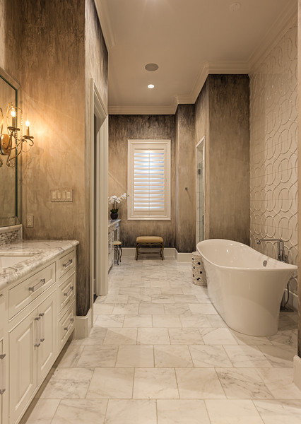 Large Master Bath with Textured Wall