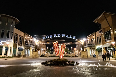Boardwalk Towne Lake Christmas Pictures