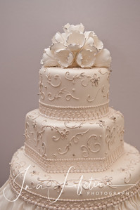 Who Made the Cake