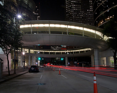 Houston Allen Center Skybridge on Smith Street