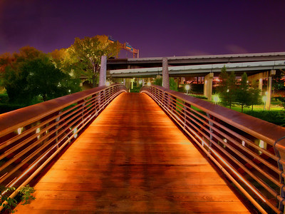 Footbridge over Buffalo Bayou behind the Hobby Center for the Performing Arts, at night in HDR