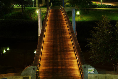 Footbridge over Buffalo Bayou behind the Hobby Center