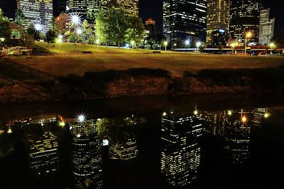 Reflections_of_a_Skyline_Buffalo-Bayou_WCW8565
