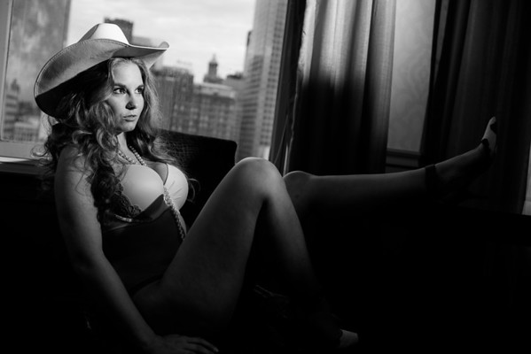 Houston-Boudoir-Hotel-Cowboy-Hat-C-Baron-Photo-001