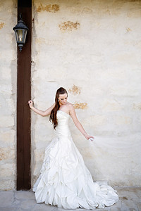 Brookshire-Bridals-Pecan-Springs-C-Baron-Photo-001