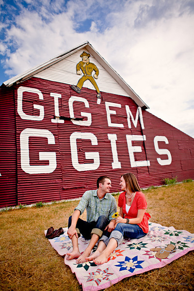 College-Station-Engagement-Aggie-Barn-Texas A&M-C-Baron-Photo-002