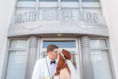 Beautiful wedding at 1940s Air Terminal - Houston Municipal Airport Museum in Houston Texas