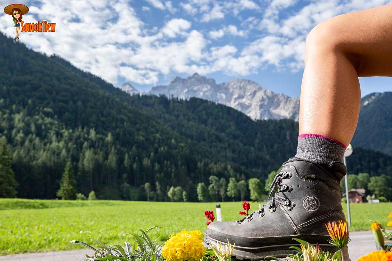 เลือกรองเท้าเดินป่า ซื้อรองเท้าเดินป่า วิธีเลือกรองเท้าเดินป่า รองเท้าเดินป่า hiking shoes