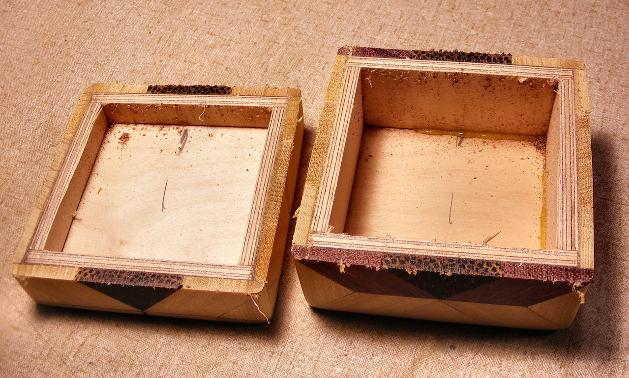 #32 Making a Tiny Sq Box<br /> I take out the glue on the inside and sand and round the saw cut