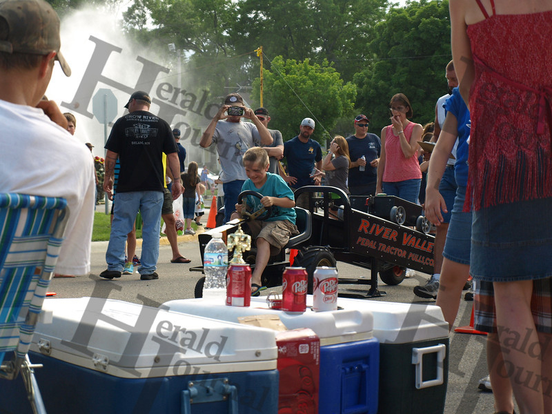 GND kiddie pedal tractor pulls