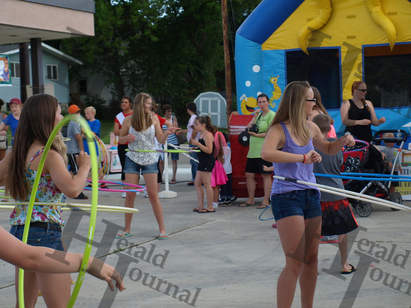 GND hula hoop contest