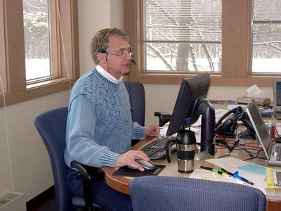 Howard presenting a webinar in the Landmark Place building around 2008.
