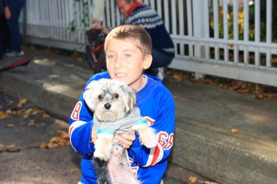 HALLOWEEN DOG PARADE 2009-25