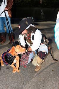 HALLOWEEN DOG PARADE 2009-52