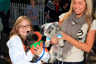 HALLOWEEN DOG PARADE 2009-38