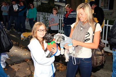 HALLOWEEN DOG PARADE 2009-37