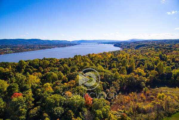 Fall colors along the Hudson River, NY