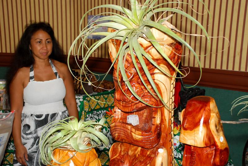 Hukilau_2011_Thursday_Bazaar-157