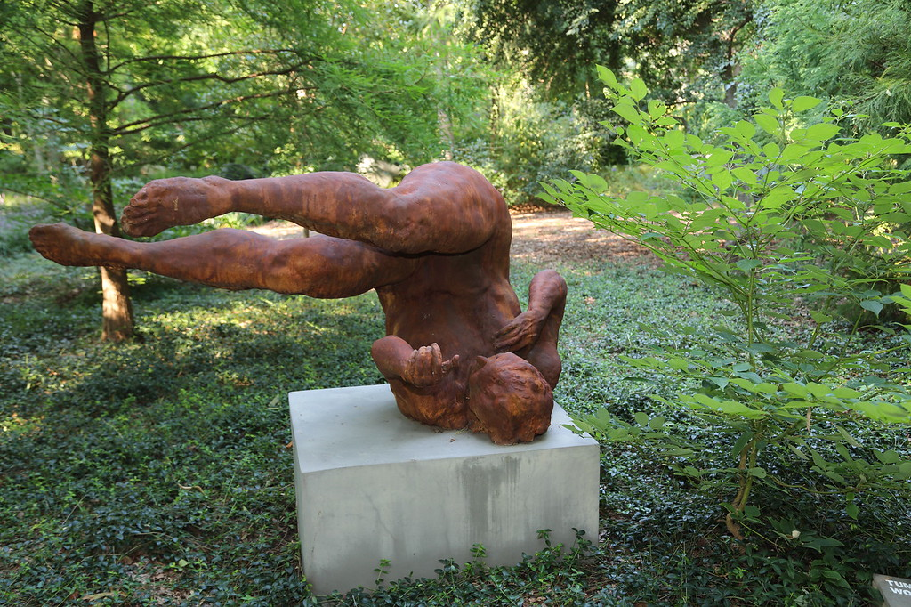 """Reclining Figure"" at Longhouse Reserve (c) 2013"