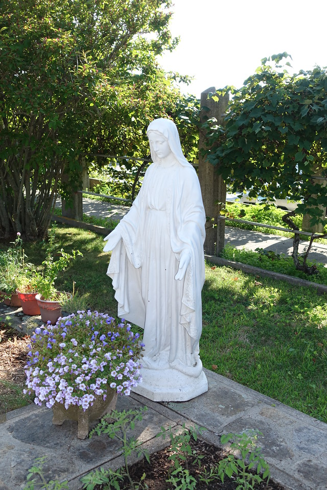 The Blessed Virgin Mother at Enders Island, CT (c) 2014