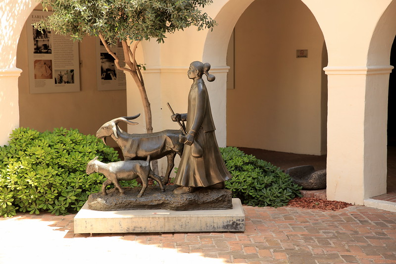 Woman and goats, Phoenix Museum (C) 2014