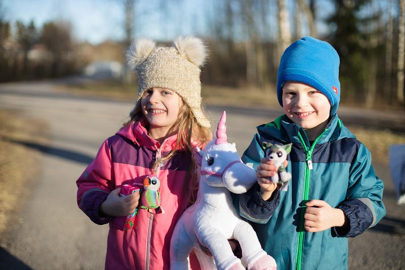 """""""Mulla on paljon nukkeja ja mulla paljon autoja sekä dinosaurusjuttuja."""" Lapset kertoivat."""