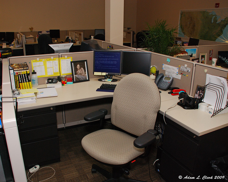 Cubical filled with balloons.  Before shot.