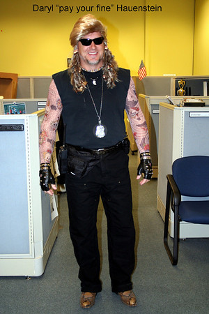 "Daryl ""pay your fine"" Hauenstine. AKA ""Dog the bounty hunter"""