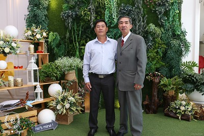 HQ-wedding-instant-print-photo-booth-in-Bao-Loc-City-Chup-anh-in-hinh-lay-lien-Tiec-cuoi-TP-Bao-Loc-WefieBox-Photobooth-Vietnam-046