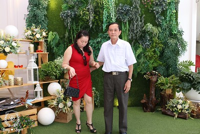HQ-wedding-instant-print-photo-booth-in-Bao-Loc-City-Chup-anh-in-hinh-lay-lien-Tiec-cuoi-TP-Bao-Loc-WefieBox-Photobooth-Vietnam-064