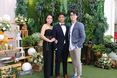 HQ-wedding-instant-print-photo-booth-in-Bao-Loc-City-Chup-anh-in-hinh-lay-lien-Tiec-cuoi-TP-Bao-Loc-WefieBox-Photobooth-Vietnam-057