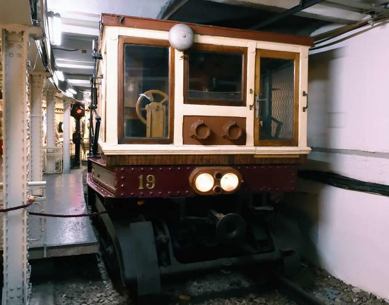 FJFVV 19, Underground Railway Museum, Deak Ferenc ter station, Budapest, 9 May 2018 5.