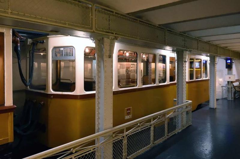 BKV trailer 81, Underground Railway Museum, Deak Ferenc ter station, Budapest, 9 May 2018 1.