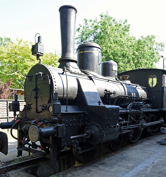 MAV 4-4-0 204, Hungarian Railway Museum, Budapest, 6 May 2018.  Budapest Loco Works 1480 / 1900.  Later renumbered to 220.194.  Class 220 was very successful and locos were built 1881 - 1905.