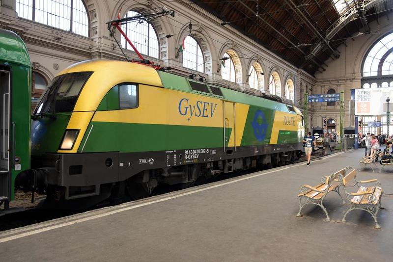 GySEV 470 502, Nyugati station, Budapest, Tues 8 May 2018.