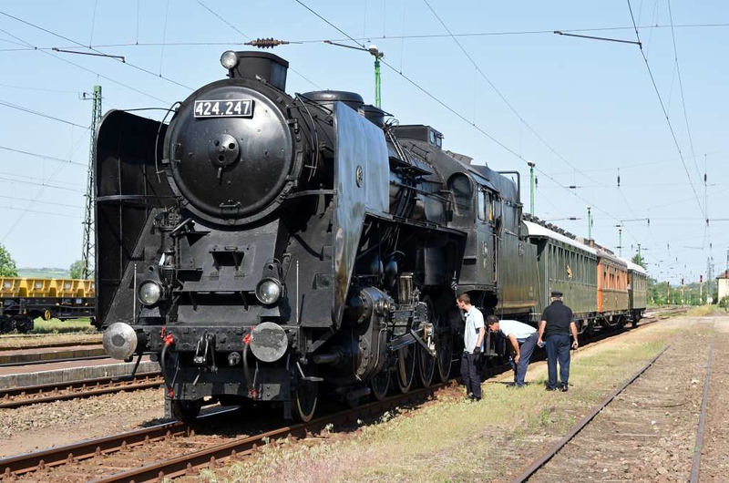 MAV 424.247, Aszod, Sun 6 May 2018 1 - 0858.  Aszod is north east of Budapest.  Here the train reversed, and the 424 took it tender-first along the north bank of the Danube to Sturovo, Slovakia, north west of Budapest.