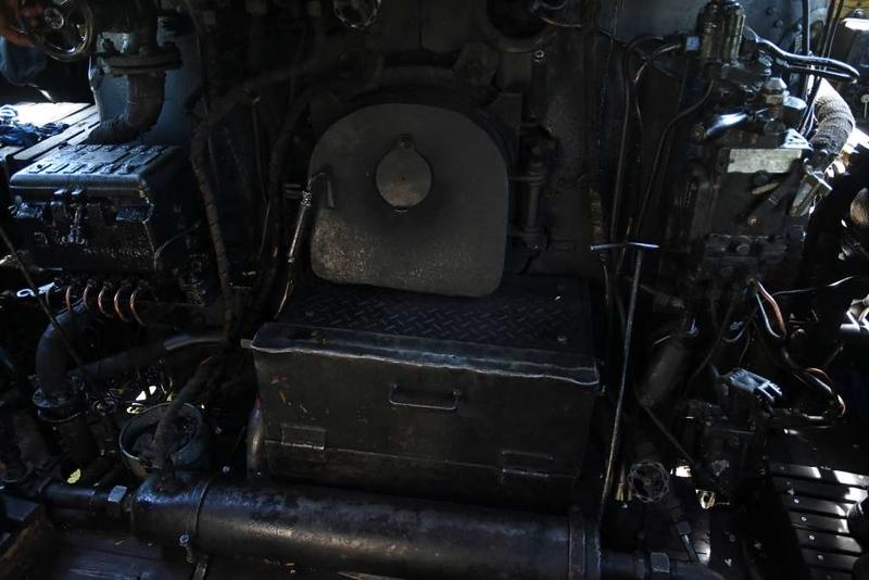 MAV 424.247, appraoching Vac, Sun 6 May 2018 4.  The loco is oil-fired.