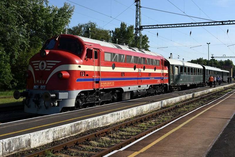 MAV M61.017, Keszthely, Mon 7 May 2018 1 - 1740.