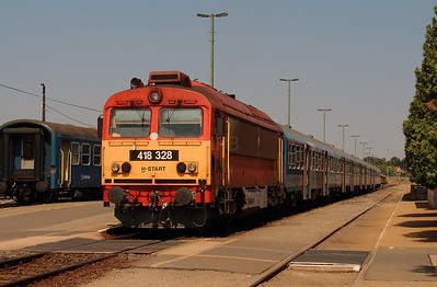 418 328 (92 55 0418 328-4 H-START) at Tapolca on 9th August 2015  (1)