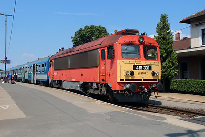 418 331 (92 55 0418 331-8 H-START) at Tapolca on  9th August 2015 (2)