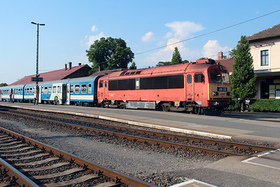 418 328 (92 55 0418 328-4 H-START) at Tapolca on 8th August 2015 (2)