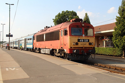 418 328 (92 55 0418 328-4 H-START) at Tapolca on 8th August 2015 (3)