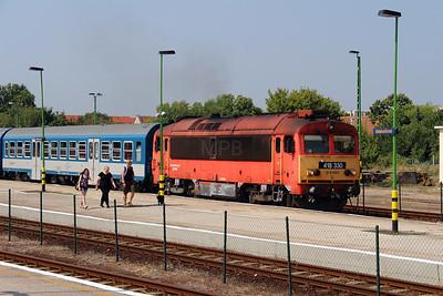 418 330 (92 55 0418 330-0 H-START) at Balatonfured on 8th August 2015