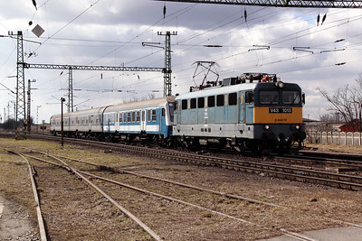 V43 1013 at Pusztasabolcs on 7th March 2011 working 8017, 0849 Pecs to Pusztasabolcs