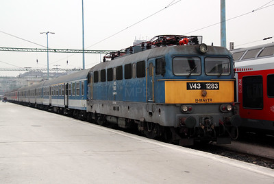 V43 1283 at Budapest Deli pu on 28th February 2011